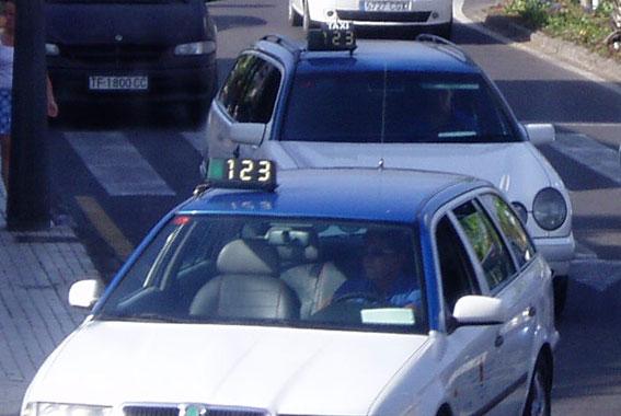 140.000 euros de ayudas para instalar cámaras y mamparas en los taxis