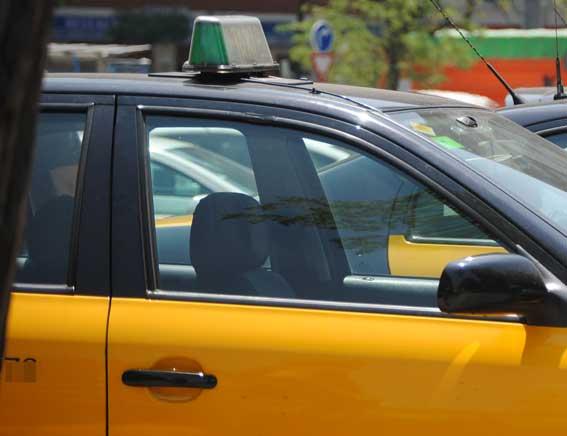 Detenido un concejal del PSC por atracar a un taxista a punta de pistola