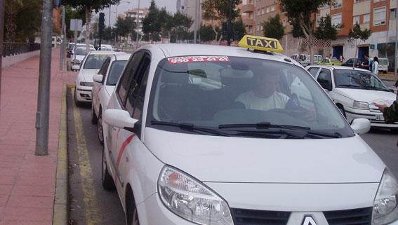 A consulta pública la nueva ordenanza del taxi de Almería
