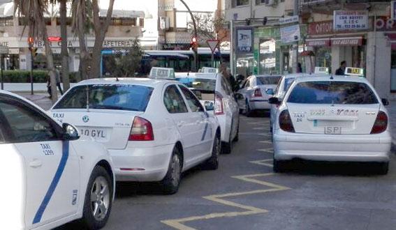 Málaga destinará 415.000 euros de ayudas para los taxistas