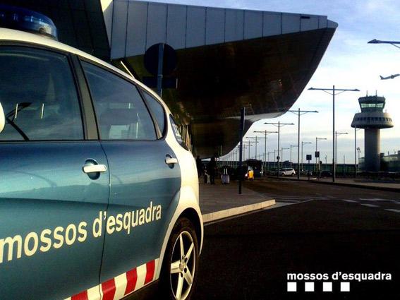 Los Mossos darán cursos de seguridad a los taxistas
