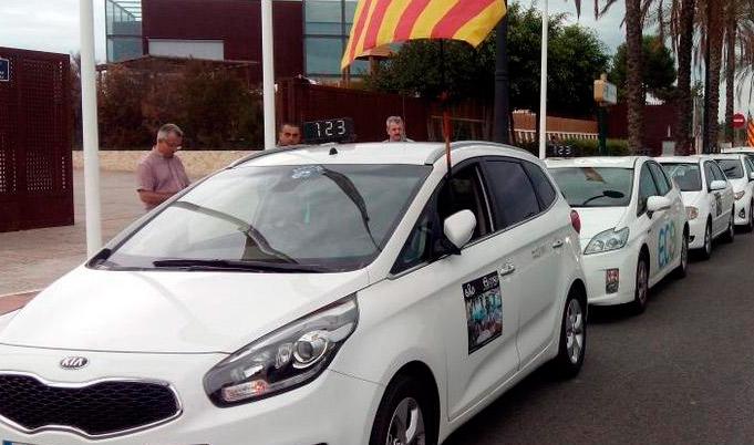 Taxistas en contra del refuerzo para las Fallas