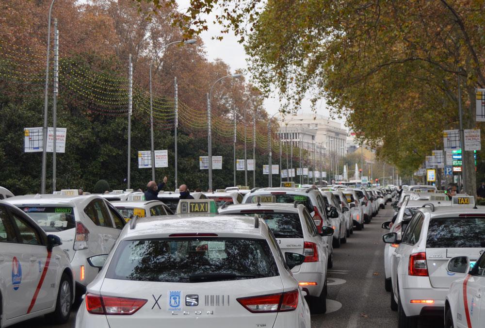 El taxi no descarta recurrir la Ordenanza de Movilidad