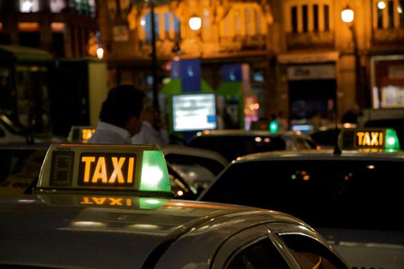 El taxi, a la espera del levantamiento de las restricciones