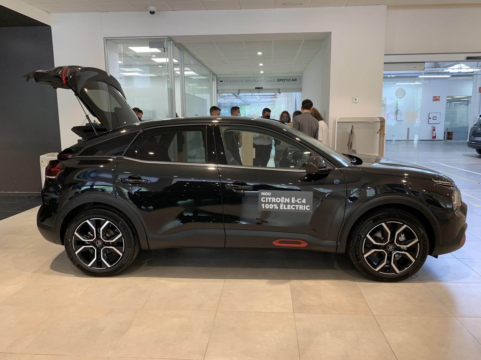Nuevo taxi eléctrico disponible en Barcelona